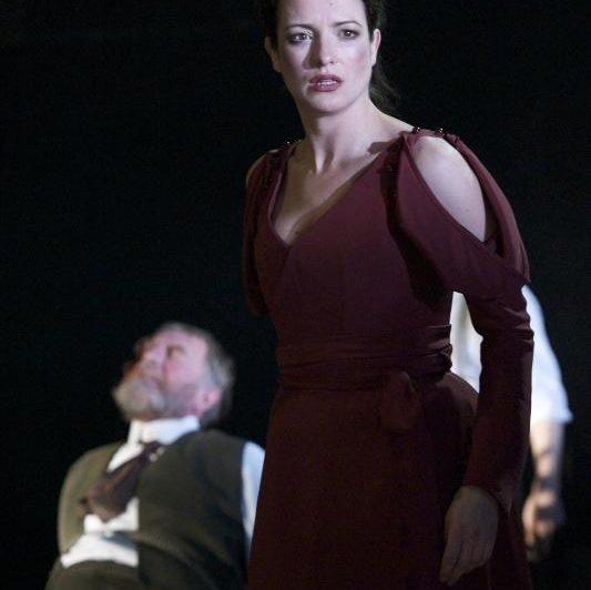 Geoff Freshwater as Gloucester, Katy Stephens as Regan